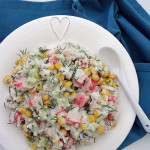 Sałatka z paluszkami krabowymi i ryżem