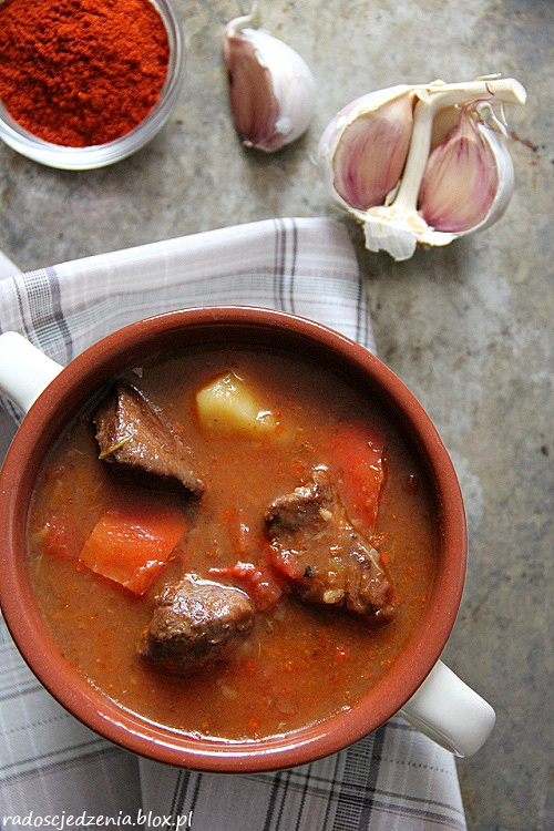 Zupa gulaszowa po węgiersku