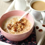 Zupa mleczna z pęczakiem, cynamonem i rodzynkami