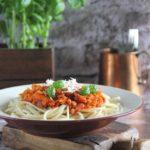 Spaghetti z sosem z soczewicy à la bolognese